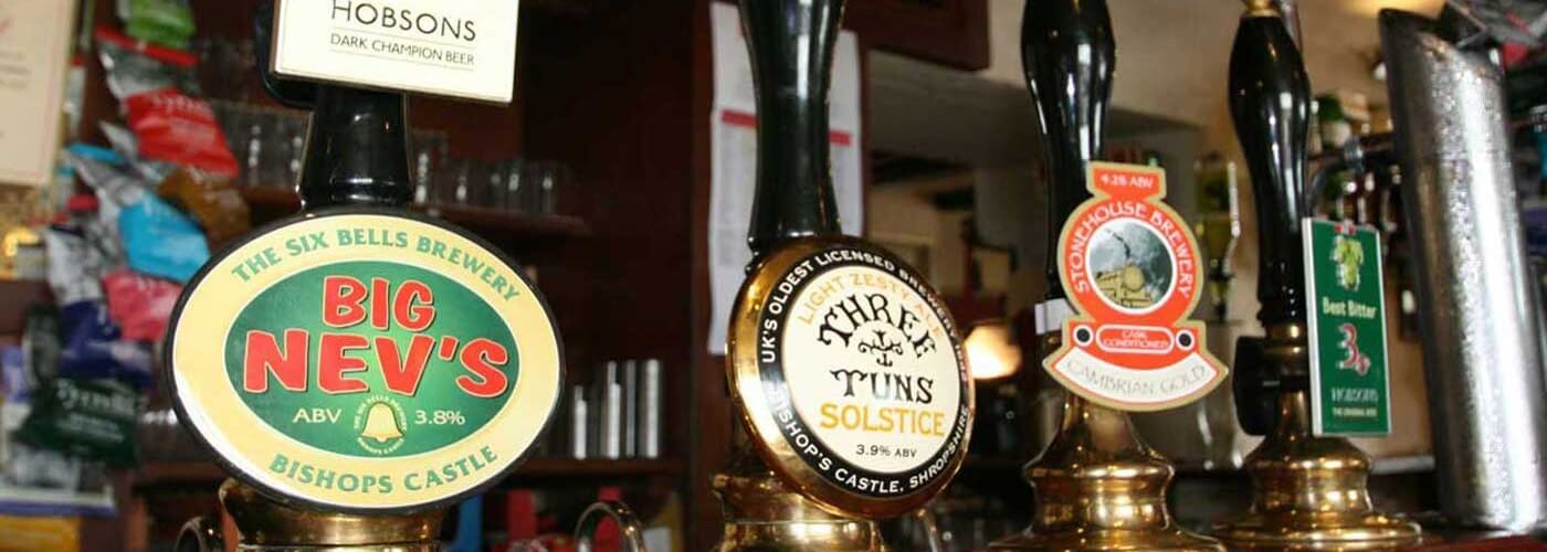 Unwind with a pint of real ale or a glass of wine at the Castle hotel